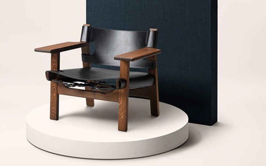 Spanish-chair-smoked-oak-oil-black-leather