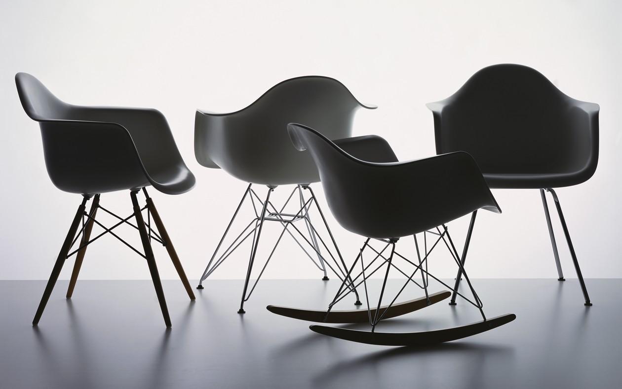 Vitra-Eames-Plastic-Armchair
