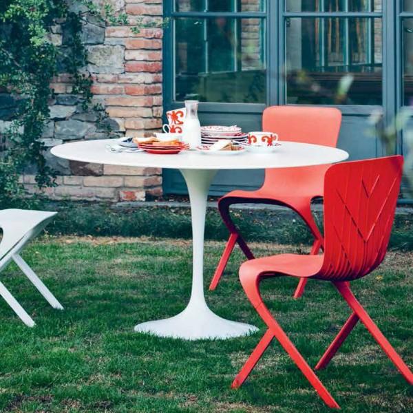 Knoll-Saarinen-Outdoor-Dining-Table-rund