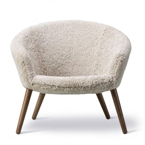 Fredericia-Ditzel-Lounge-Chair-Schaffell