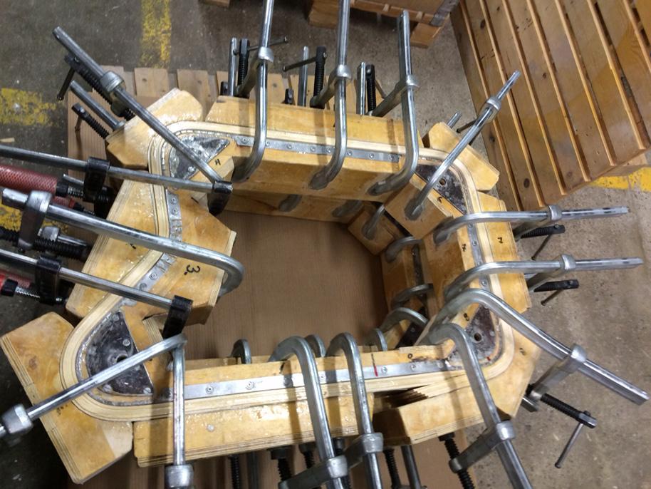 Form zur Biegung der Armlehnen beim Paimio Sessel