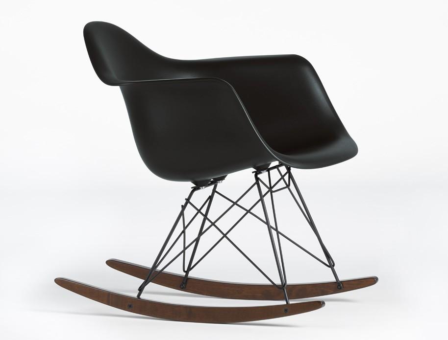 Eames-Plastic-Chair_basic-dark_1049378_master