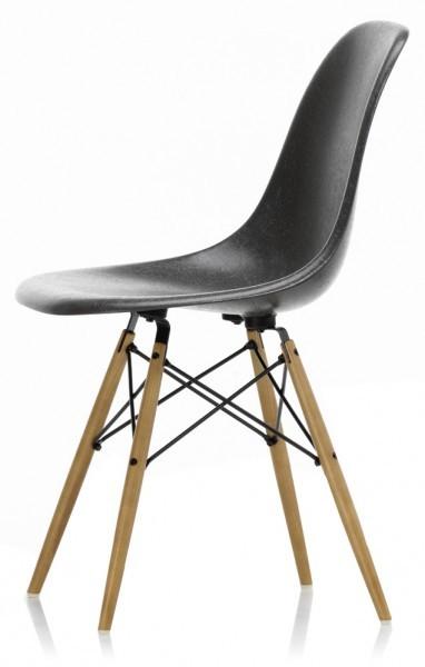 Eames-Fiberglass-Chair-DSW-Vitra