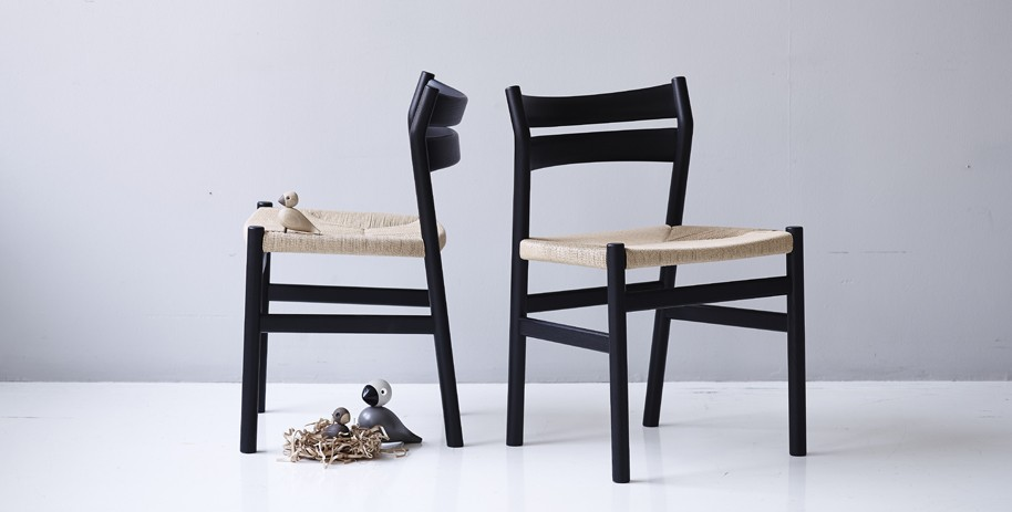 dk3_BM1-Chair_Black-Stained-Oak_1_Styled