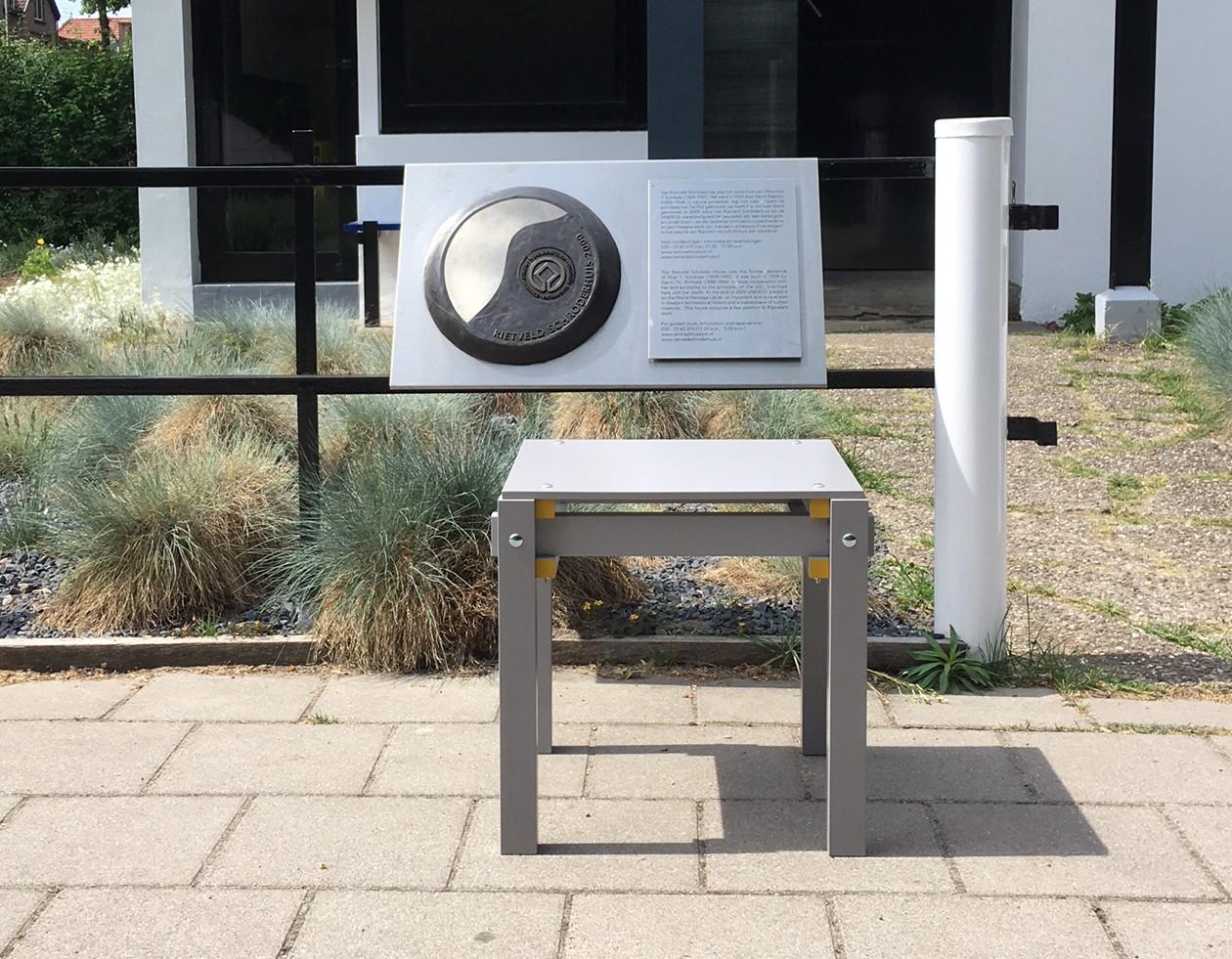 Rietveld-military-stool