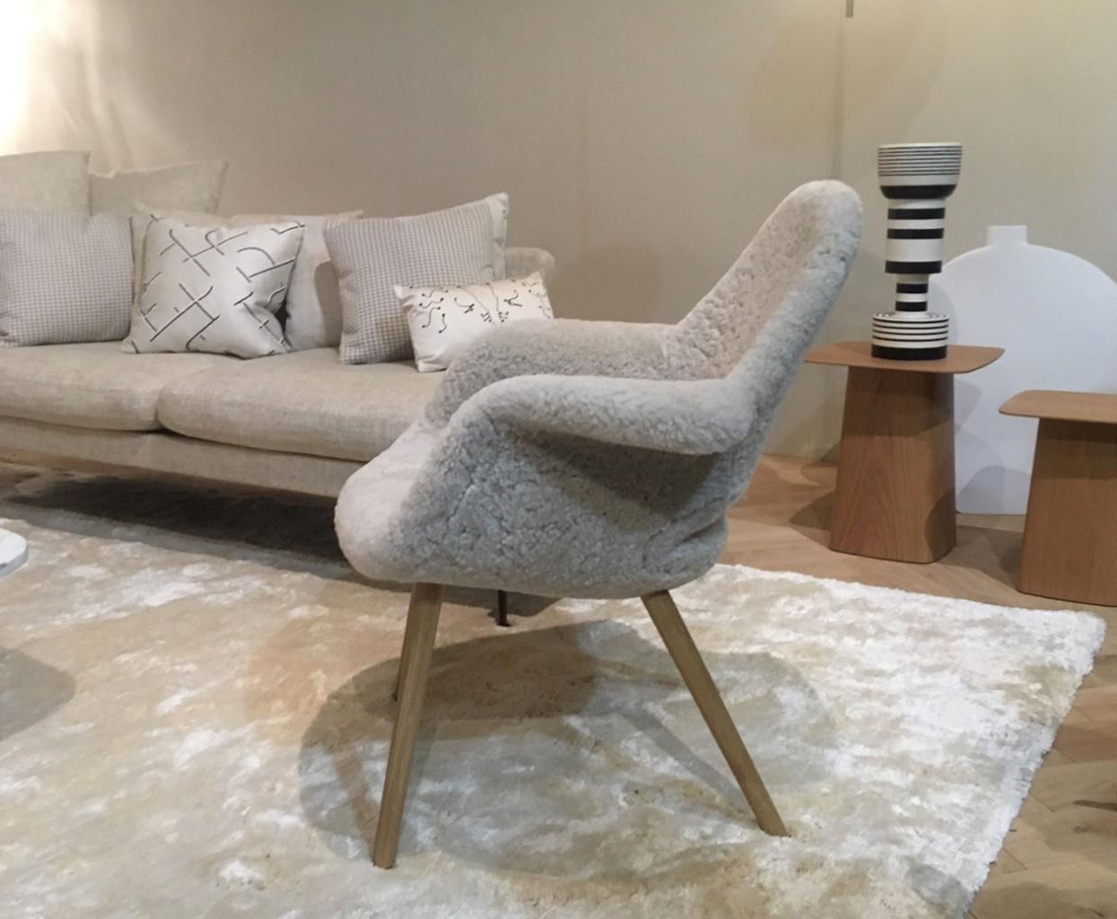 Vitra-Organic-chair-schaffell