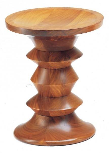Vitra-Eames-stool-A-Nussbaumhocker