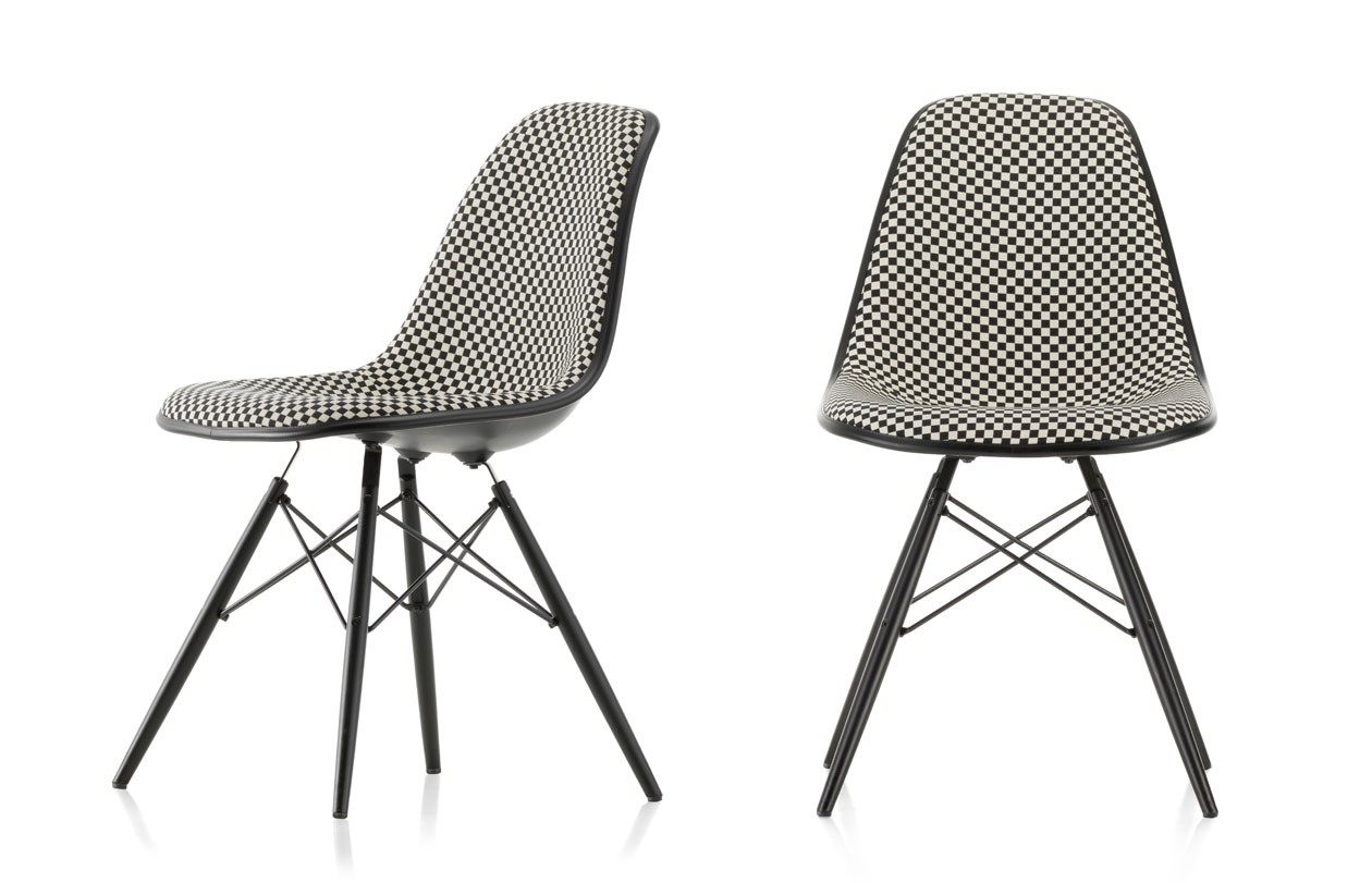 vitra_Eames-Plastic-Chair-DSW-Checker_FS_master