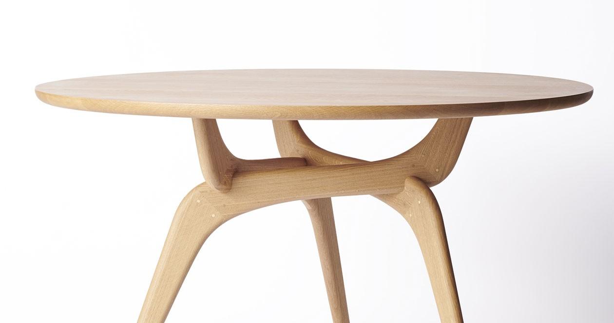TRIIIO-DiningTable-OiledOak-WoodenTableTop