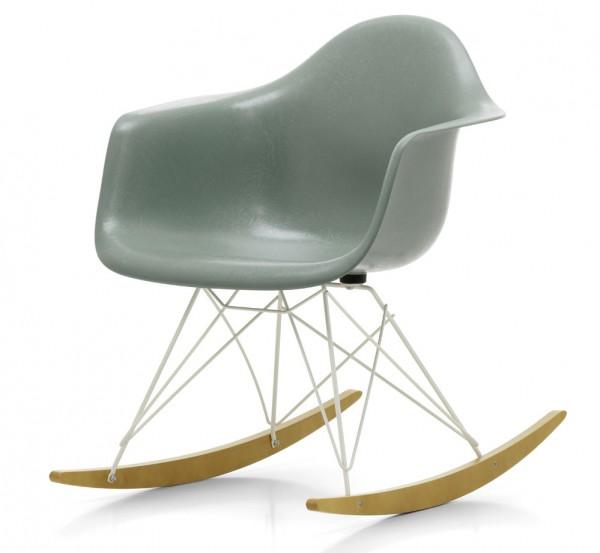 Eames-Fiberglass-arm-Chair-RAW-Vitra