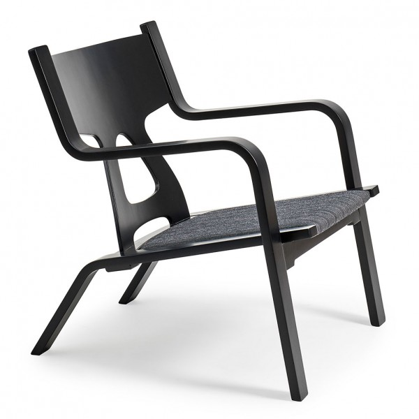 GE 672 Easy Chair
