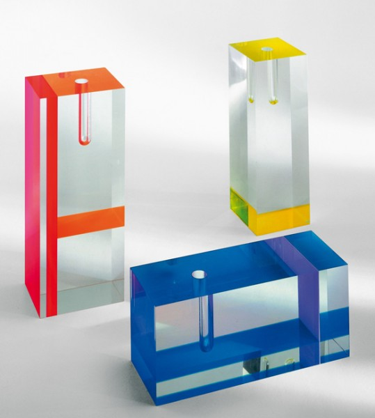 Acrylic-Vase-Tomoko-Mizu-Cappellini