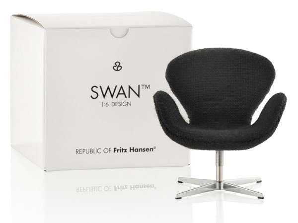 Miniatur-Swan-Chair-Arne-Jacobsen