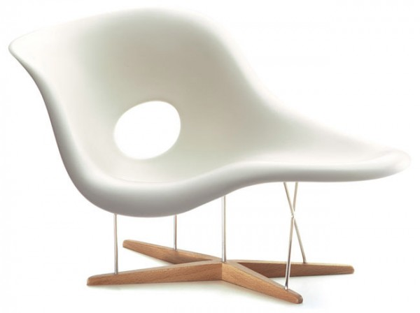 La-Chaise-Miniatur-Charles-Ray-Eames-Vitra-Design-Museum