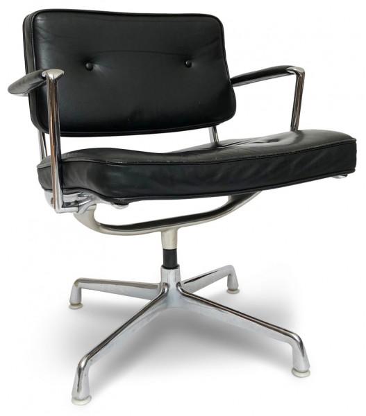 Eames-Intermediate-Chair