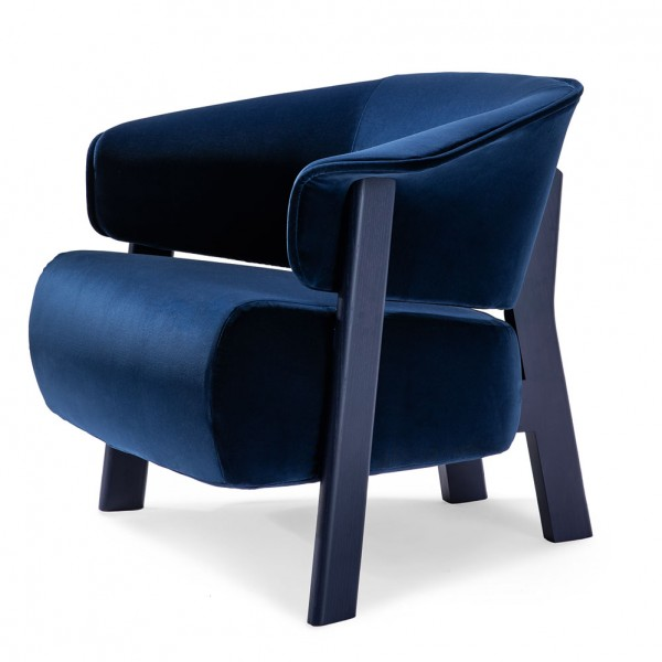 Cassina-Back-Wing Chair-Patricia-Urquiola