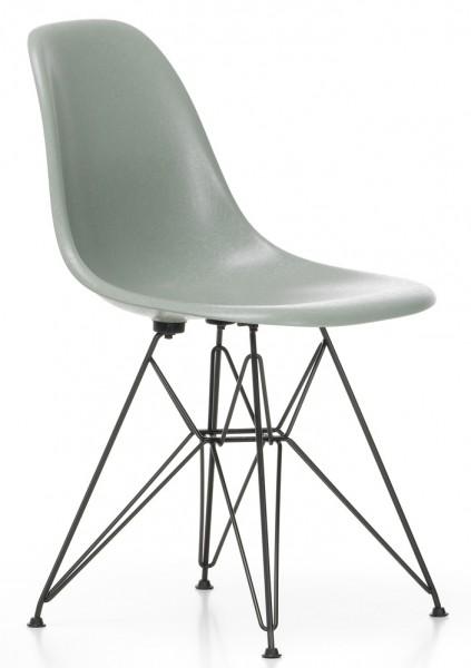 Eames-Fiberglass-Chair-DSR-Vitra