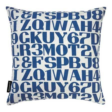 Kissen-Alphabet-blau-Alexander-Girard-Maximo