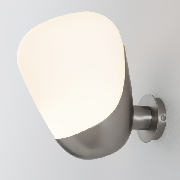 aarhus-lamp-Arne-Jacobsen-santa-cole
