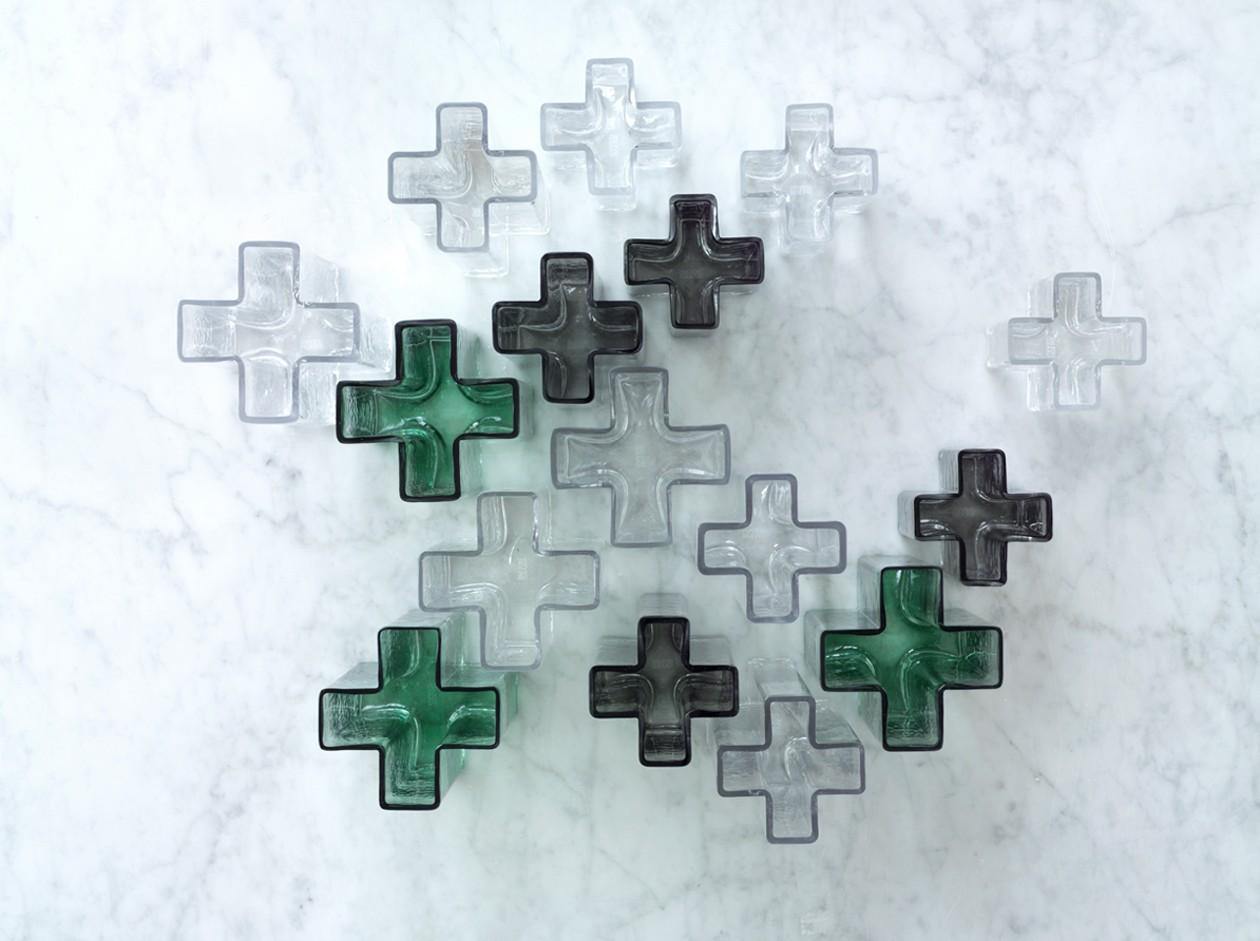 crosses-vase-green-h19-5-crosses-1500x1500-1