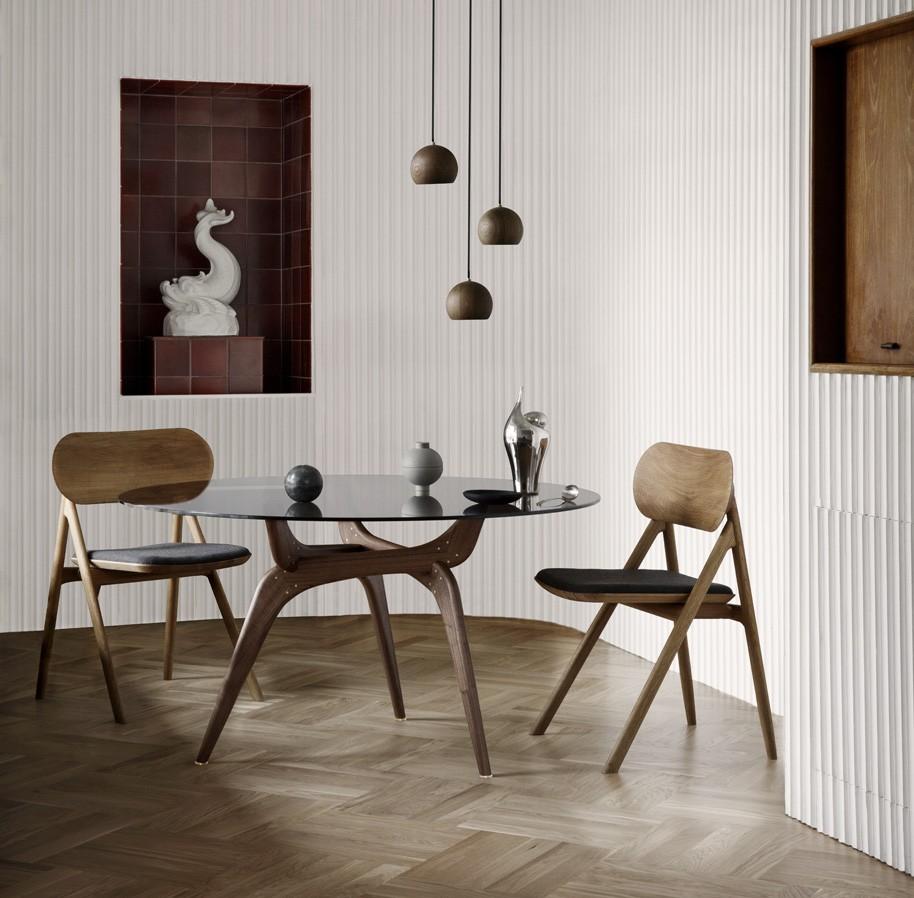 Theodor-Chair